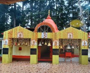 Mahakali rests every night in this temple, Maa Haat Kalika is the goddess of Kumaon Regiment