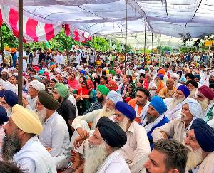 Farmers' strike in Karnal continues for the fourth day, meeting of 32 farmers' organizations in Chandigarh