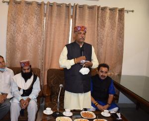 Energy Minister Sukhram Chaudhary listened to public problems in Kunihar