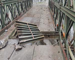 Himachal Pradesh: Manali-Leh road closed after snowfall, Urni bridge on NH-5 damaged