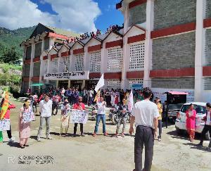 करसोग : एसएफआई इकाई करसोग ने मांगों को लेकर सौंपा ज्ञापन