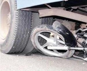 Keylong: Bike collided with truck, youth dies