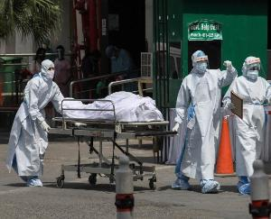 Corona infection cases increased again in India, so many people lost their lives in last 24 hours