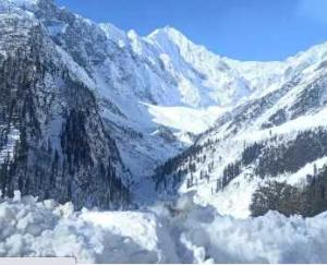 Himachal Pradesh: 14 people trapped in Lahaul's Khanmigar glacier, two people died