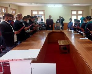Keylong: Oath administered by SDM Priya Nagta to the members of Panchayat Samiti
