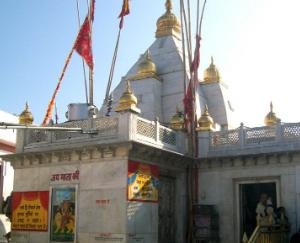 नैना देवी मंदिर में  करवाई जाएंगी व्यापक सुविधाएं उपलब्ध
