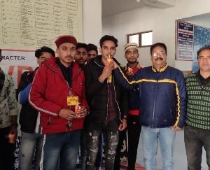 एबीवीपी नादौन के कार्यकर्ताओं ने समाप्त की भूख हड़ताल