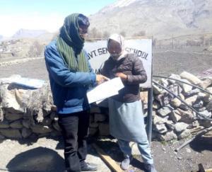 काजा में पहली कक्षा से जमा तक घर पर पाठ्य सामग्री मुहैया करवा रहा प्रशासन
