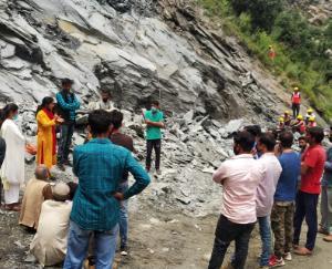 किसान संघर्ष समिति ने रोका कुठेड जल विद्युत परियोजना का काम