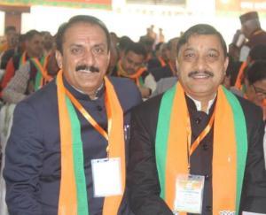 पूर्व विधायक बलदेव तोमर ने संसद सुरेश कश्यप को दी बधाई