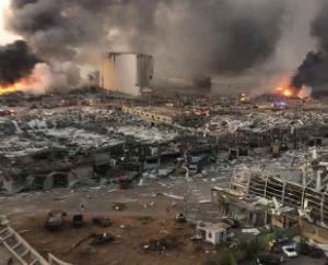 बेरूत में धमाकों से तबाही का मंजर