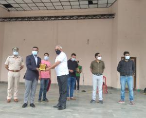 जोगिंदरनगर एसडीएम ने किया ध्वजारोहण