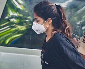 Rhea-Chakraborty-To-Stay-In-Mumbai-Jail-Today,-Bail-Rejected