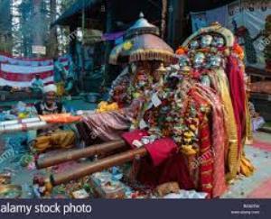 इस मंदिर में देवी के पदचिह्नों की पूजा की जाती है
