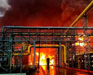 gujarat-massive-fire-in-surats-ongc-gas-plant