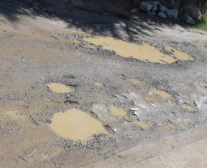 PWD-did-no-patchwork-on-10-km-road