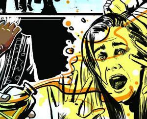 तीन नाबालिग बहनों पर अज्ञात ने फेंका एसिड, हालत नाजुक