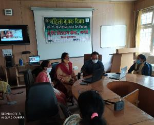 Union-Minister-of-State-for-Agriculture-interacted-directly-with-women-farmer
