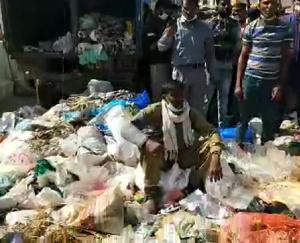 solan-cleanliness-workers-protest-at-old-dc-office