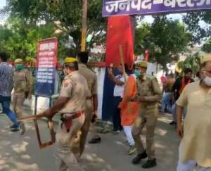 love-jihad-in-uttar-pradesh-bareilly-bjp-vhp-leaders-protest