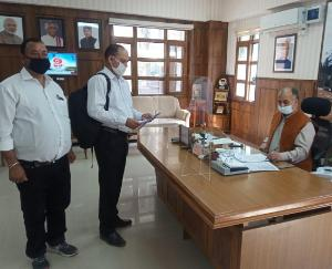 Ambuja-Cement-Employees-Union-submitted-a-memorandum-to-DC-Solan