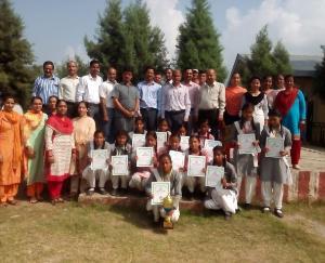 नवगांव की छात्राओं ने हैंड बाल प्रतियोगिता में अर्जित किया प्रथम स्थान