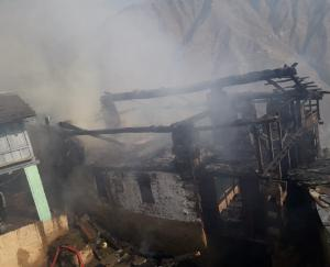 Fire-in-Bharmour-wood-house-burnt-to-ashes