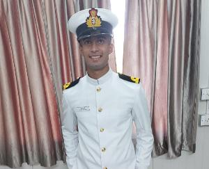 नौसेना में सब लैफटीनेंट बने पीयूष शर्मा