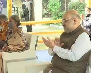 Amit-Shah-tour-of-Bengal-pays-tribute-to-Rabindranath-Tagore
