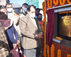 Minister-Suresh-Bhardwaj-laid foundation-stone-in-Kasumpti