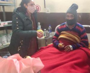 Aarti-Sharma-donated-51-blankets-to-covid-Care-Center