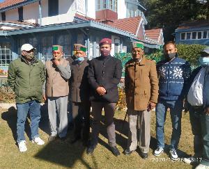 Delegation-of-seven-panchayats-of-Saraj-region-met-Vikramaditya-Singh