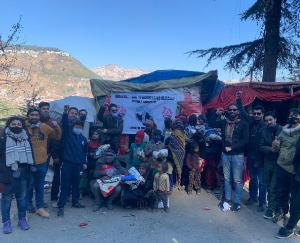 hypa-distributed-warm-clothes-and-blankets-amongst-the-downtrodden