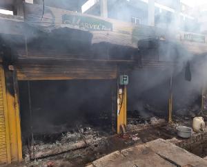 fire-in-grocery-shop-in-kunihar