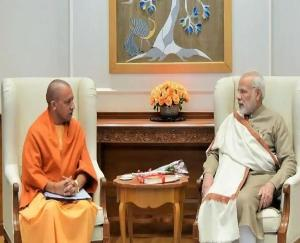 Modi-will-discuss-with-Yogi-about-Corona-vaccine