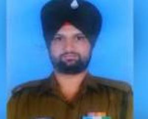 Indian-army-soldier-martyred-in-Pakistani-firing