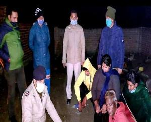Four-members-of-same-family-arrested-with-377-grams-of-chitta