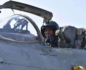 Bhavna-Kant-became-the-first-woman-fighter-pilot