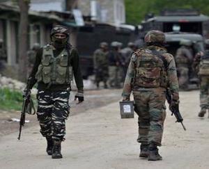 terrorist attack in kulgam 4 army personnels injured