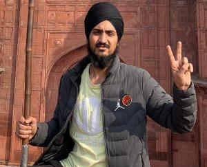 Tractor-rally-nuisance-youth-identified-as-flag-hoisting-at-Red-Fort