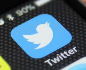 ट्विटर ने किये 500 अकाउंट्स बंद, विवादित हैशटेग भी बंद