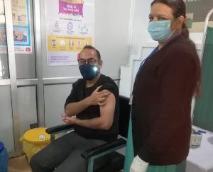 Sarkaghat-SDM-Zafar-Iqbal-also-got-Corona-vaccine