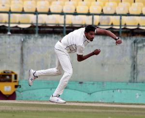 Vaibhav Arora of Himachal Pradesh bought by Kolkata Knight Riders for twenty lakh