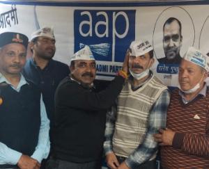 Transporter Gulshan Dewan joins  Aam Aadmi party