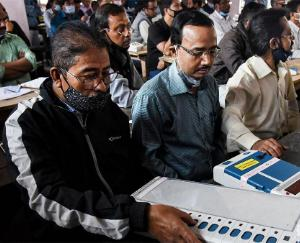 Voting suddenly falls in 4 minutes, TMC complains to Election Commission