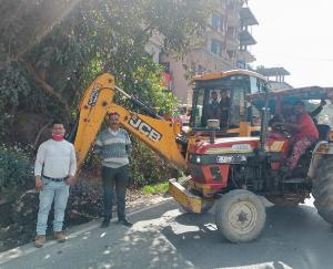 Cleanliness campaign organized by Panchayat representatives in Gram Panchayat Dadlaghat